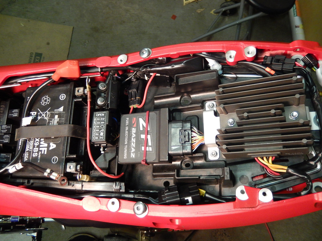 wiring a relocated r/r direct to battery, 2013 675r - triumph675 net forums